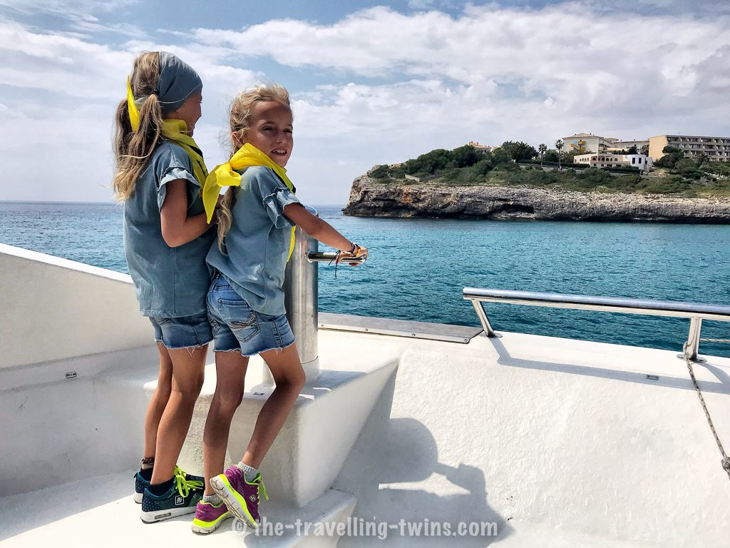 boat trip mallorca, majorca family holidays,  places to visit in mallorca,  western water park in mallorca,  bandera mallorca,  autobus mallorca,  majorca family resorts