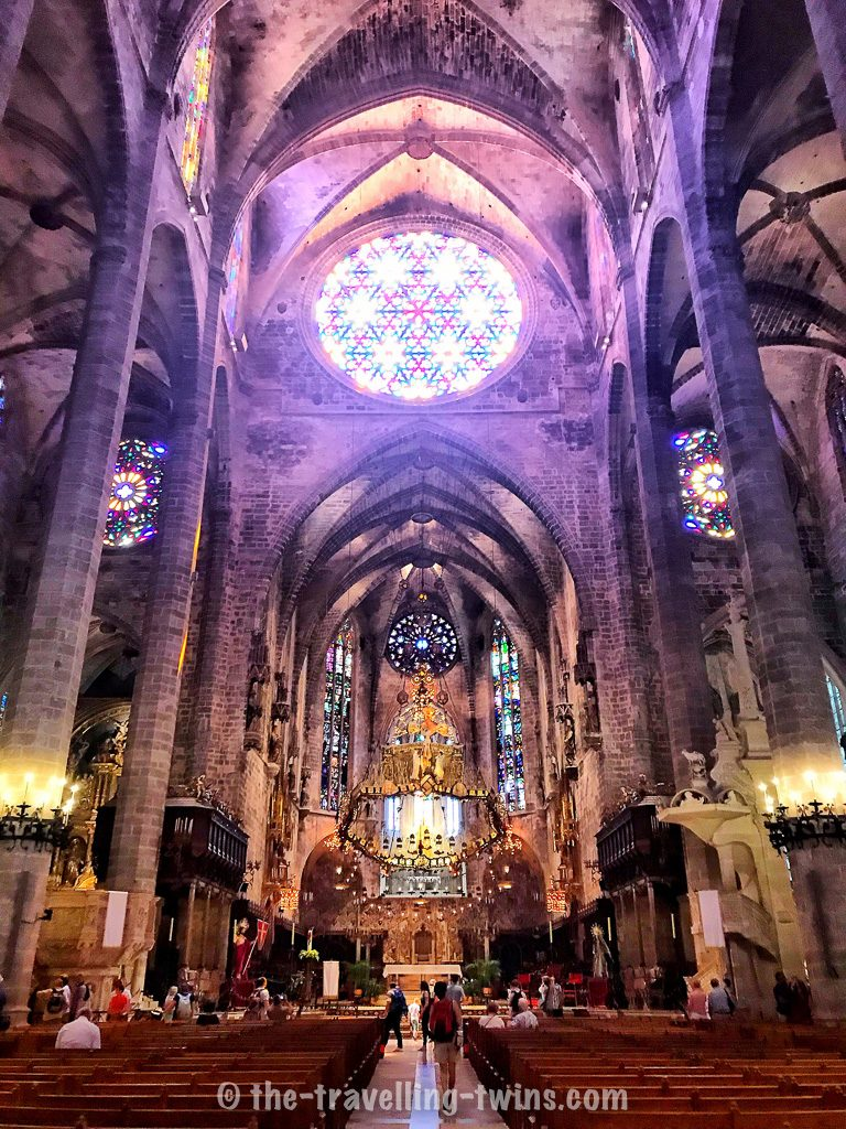 majorca attractions, Mallorca attractions - visit in Palma Cathedral ,  best beaches in majorca,  mallorca caves,  arenal mallorca,  club mac majorca,  alcudia water park